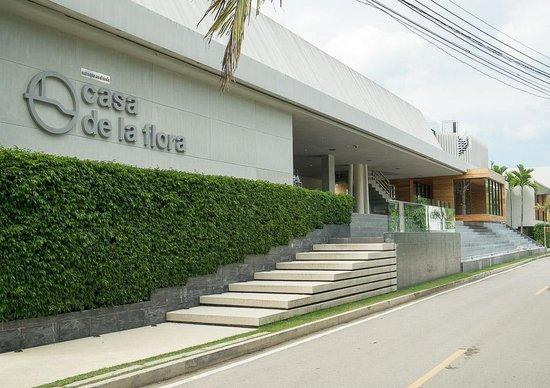 Casa de La Flora: Hotel Front