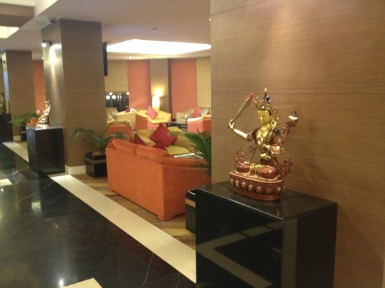 Radisson Hotel Kathmandu: Lobby in the new building