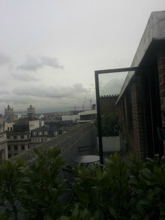 Apex City of London Hotel: Balcony view.
