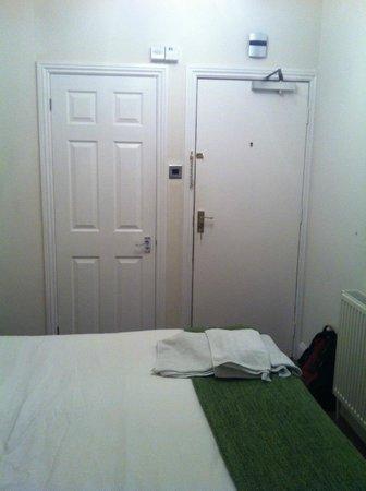 Dockside Hotel: The room