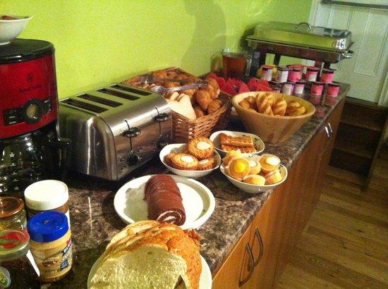 Dockside Hotel: The breakfast buffet