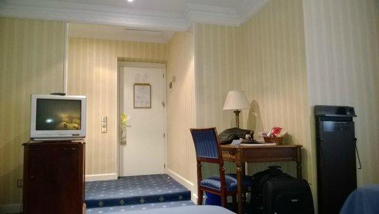 Gran Hotel Velazquez : Habitación.