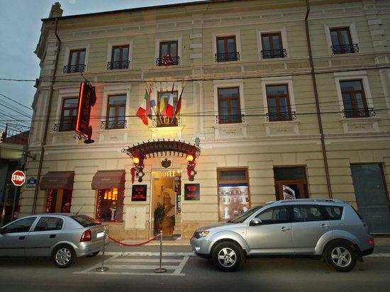 Hotel Cherica: Hotel Chérica street view