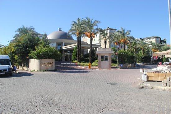 Alva Donna Beach Resort Comfort: Hoteleingang