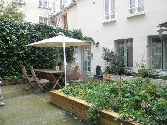 Hotel Du Moulin : giardino