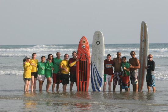 Shaka Beach Retreat : Staff and our group