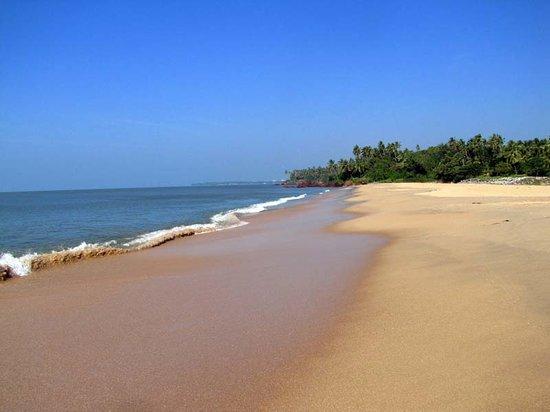 Kannur Beach House: Blissfull Thottada Beach