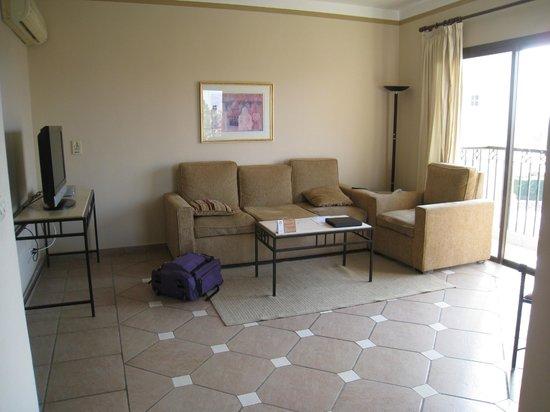 Sol Y Mar Ivory Suites: Lounge