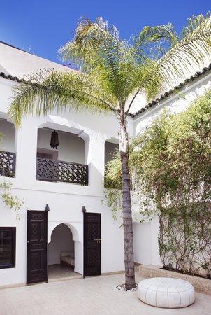 P'tit Habibi: ptit courtyard