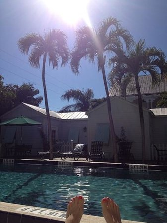 Key Lime Inn Key West : beautiful day by the pool!!!