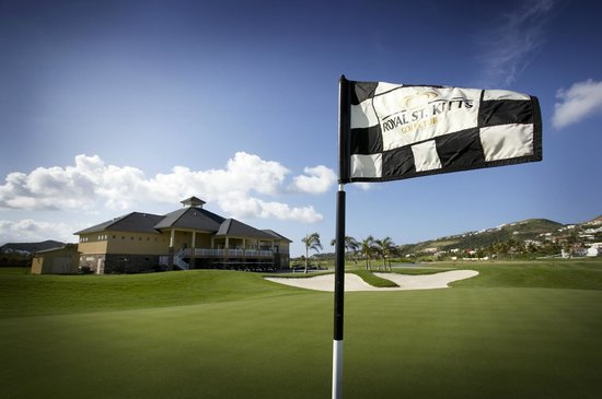 South Coast, St. Kitts: 18th Green & Clubhouse