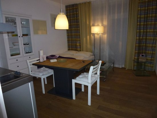 Hotel Stein : Living area with sofabed