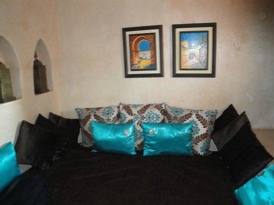Riad Kheirredine: Wohnbereich im Jasmine
