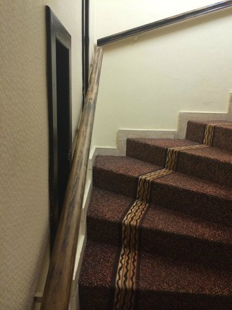 Hotel des Vosges : rambarde usée