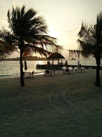 Anantara Dhigu Maldives Resort: Sunrise on Boxing Day 2013