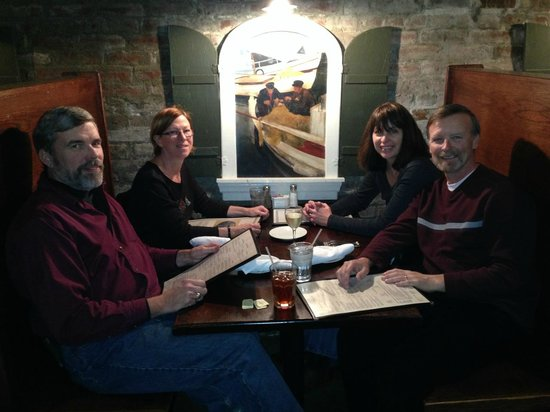 Olde Towne Grill & Seafood: Group of friends enjoying dinner