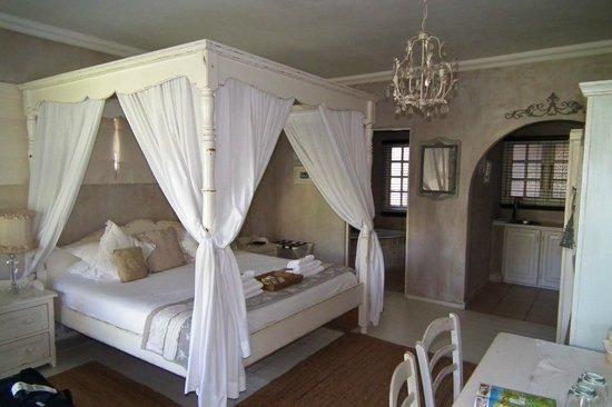 Petite Provence B&B: Lavender Room