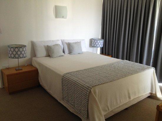Talisman Apartments: main bedroom