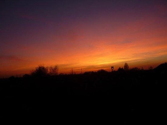 Mercure Hotel Duesseldorf Kaarst: zonsondergang vanuit de kamer
