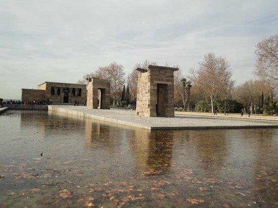 Templo de Debod : Vista frontal