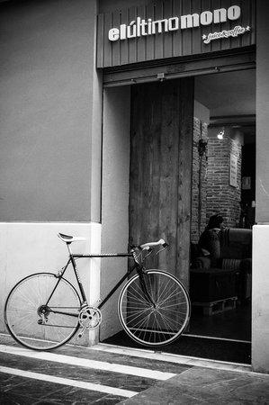 El Ultimo Mono Juice & Coffee: bike & coffee