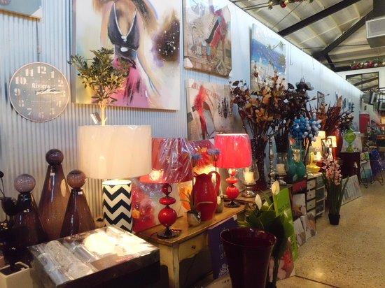 Dolphin Quay: Market Stall