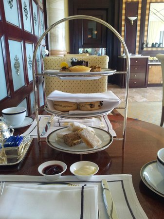 The Empire Hotel & Country Club: E-Club afternoon tea