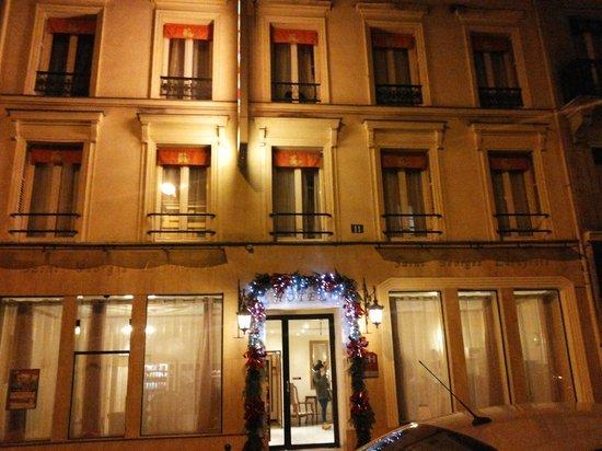 Hotel St. Georges Lafayette: Esterno