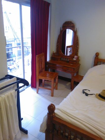 Patong Bay Inn: room1