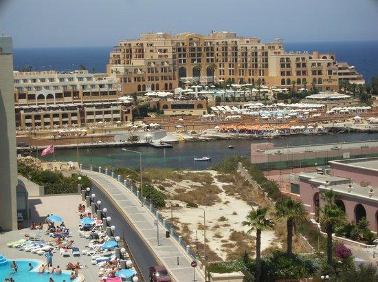 Golden Tulip Vivaldi Hotel: foto dal terrazzo d'hotel