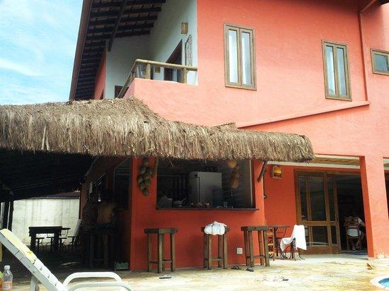 Pousada Porto Mare: Bar e Área da piscina
