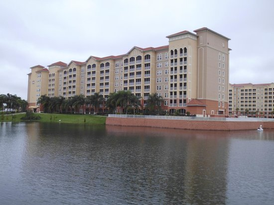 Westgate Town Center Resort & Spa: The building where we stayed