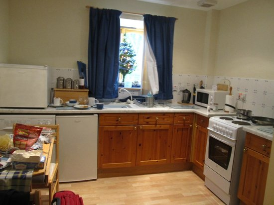 Shegarton Farm Cottages: kitchen area