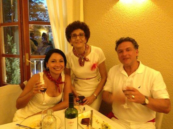 Restaurante San Ignacio: Enjoying the wine recommendation of our hostess.