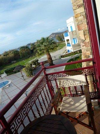 Naxos Resort Beach Hotel: vue du balcon