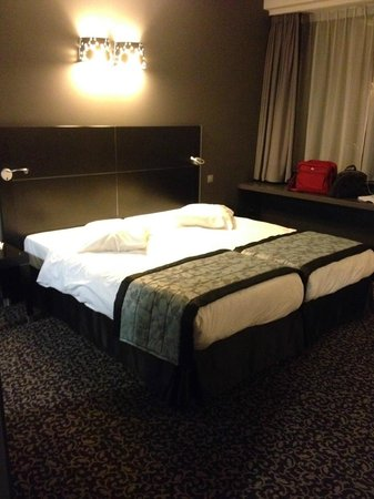 Ramada Brussels Woluwe: My room on the third floor was too big for just one person.