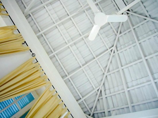 Migrante Guesthouse: Ceiling with fun
