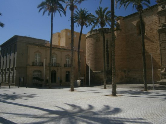 Hotel Catedral Almeria: the sqaure