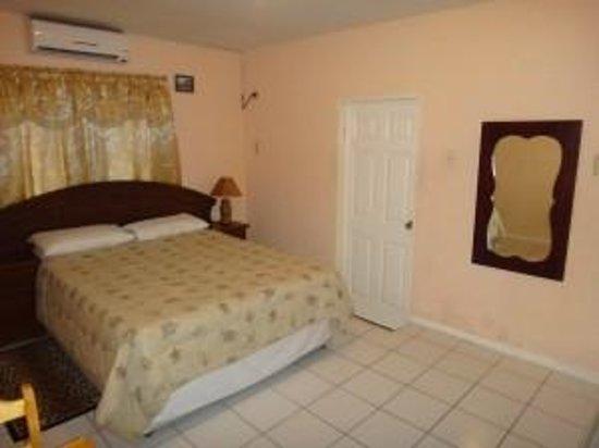 Derick's Inn : Bedroom