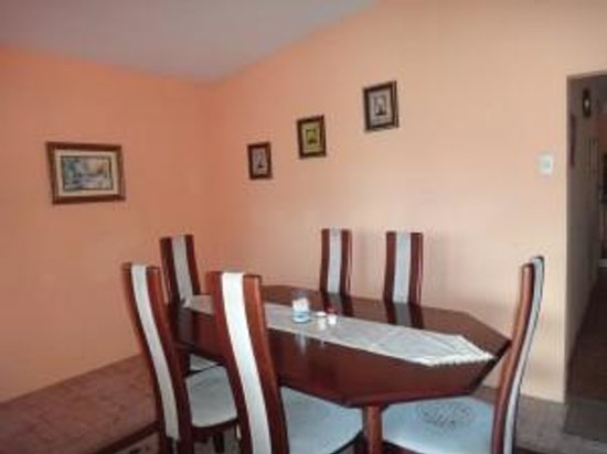 Derick's Inn : Dining Area