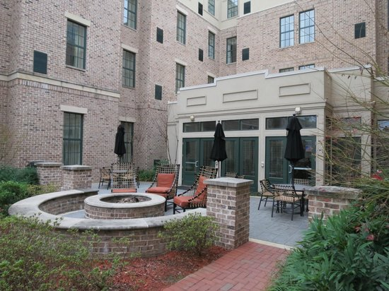 Residence Inn Savannah Downtown/Historic District: Fire Pit