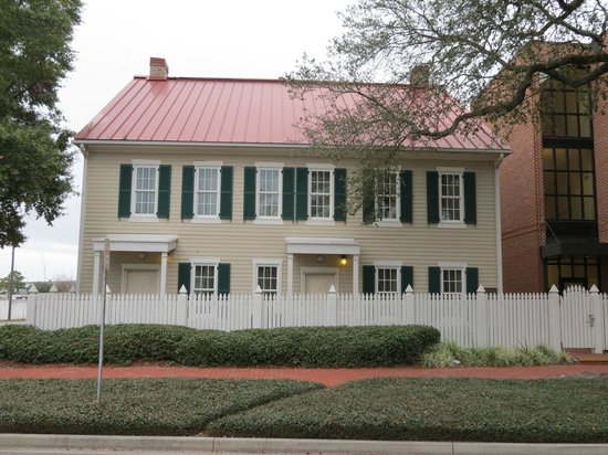 Residence Inn Savannah Downtown/Historic District: Cottage