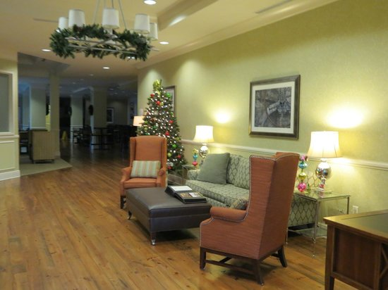 Residence Inn Savannah Downtown/Historic District: Lobby
