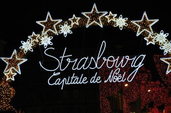 Marché de Noël : entrée de Strasbourg