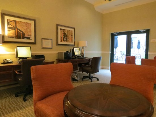 Residence Inn Savannah Downtown/Historic District: Business Center