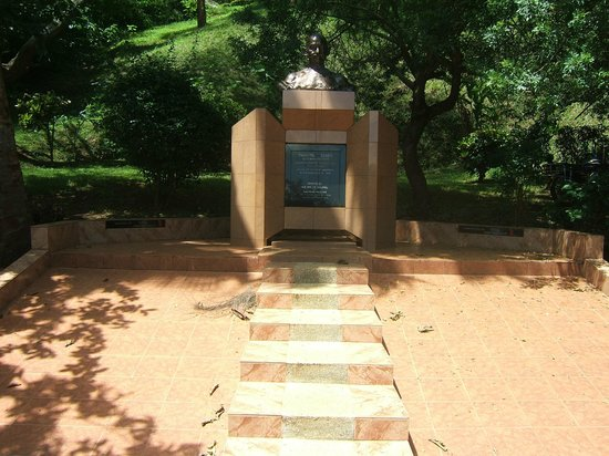 Source of the Nile - Speke Monument: Ghandi Monument