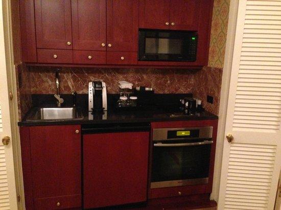 ذا شيري هولندا: Our mini kitchen!!