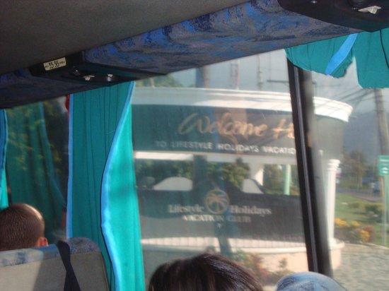 Cofresi Palm Beach & Spa Resort: LA LLEGADA DESDE EL BUS
