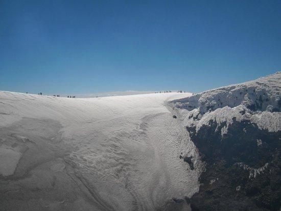 Volcan Villarica: Dimensão da cratera