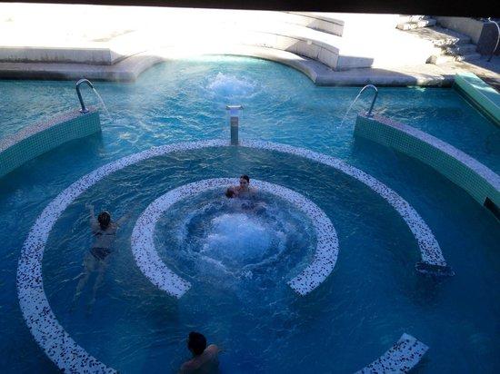 Le 1er bain ext rieur picture of les bains du couloubret for Bain a remous exterieur